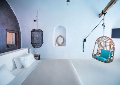 honeymoon-cave-suite-2