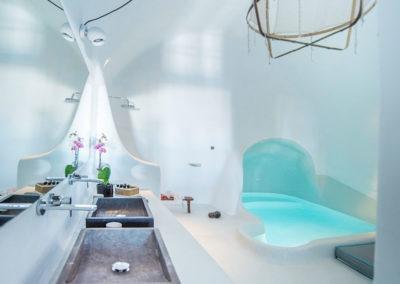 honeymoon-cave-suite-7