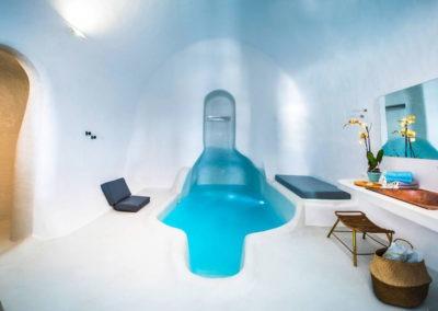 honeymoon-cave-suite-7b-XXX