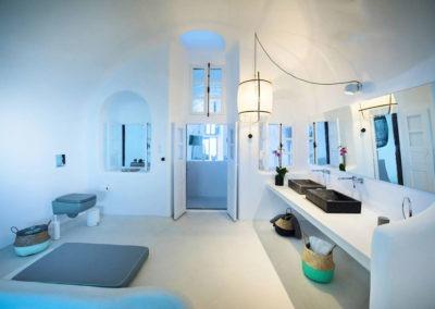 honeymoon-cave-suite-img-35