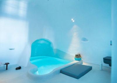 honeymoon-cave-suite-img-5