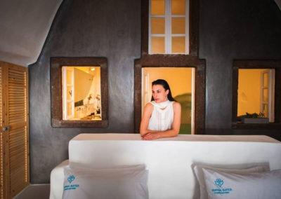honeymoon-cave-suite-img-9