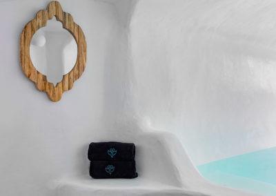 superior-cave-suite-13